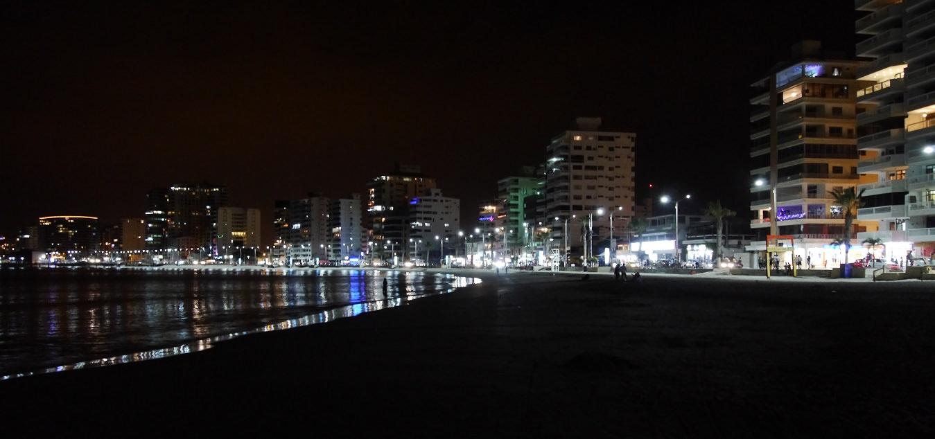 ecuador-salinas-panorama-noche