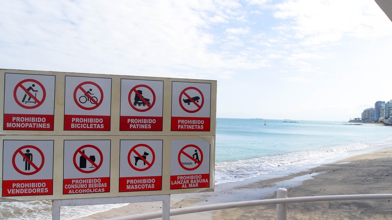 ecuador-salinas-playa-prohibicion