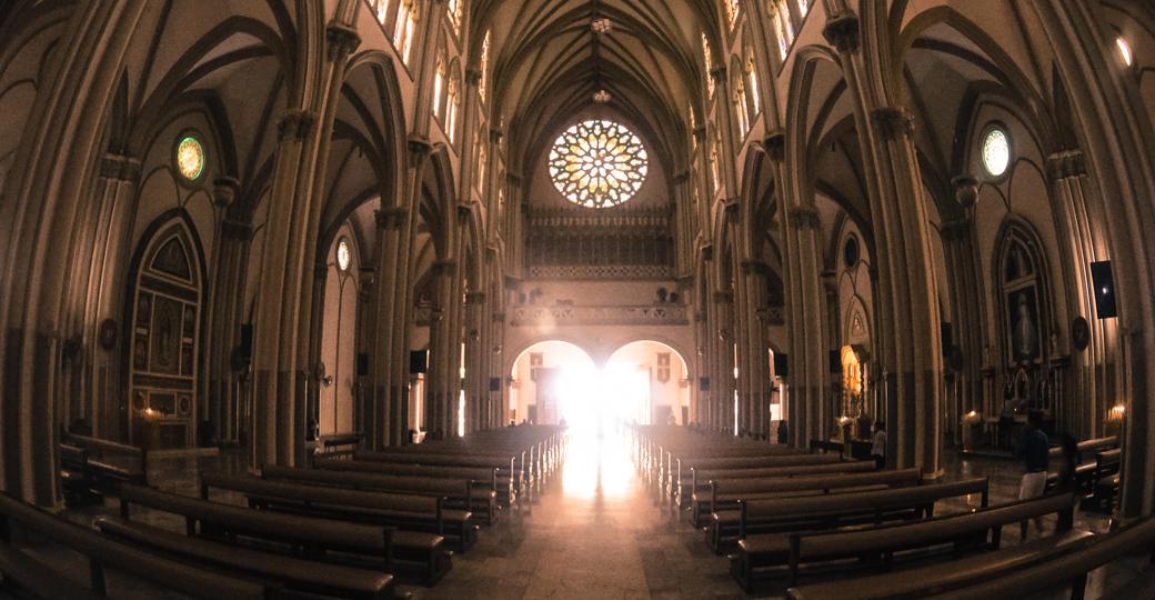 ecuador-catedral-metropolitana-de-guayaquil-dentro