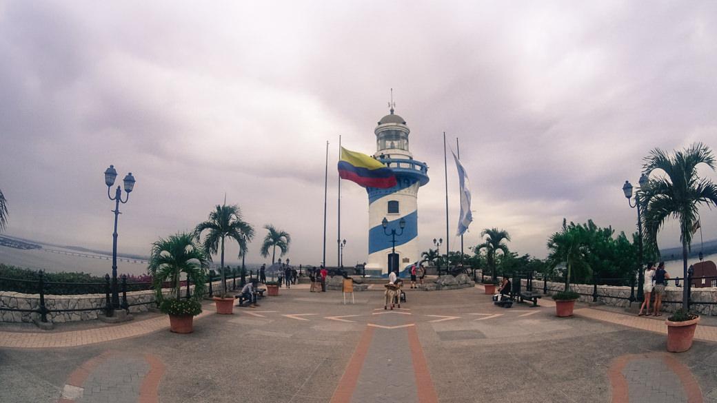 ecuador-guayaquil-el-faro-cerro-santa-ana
