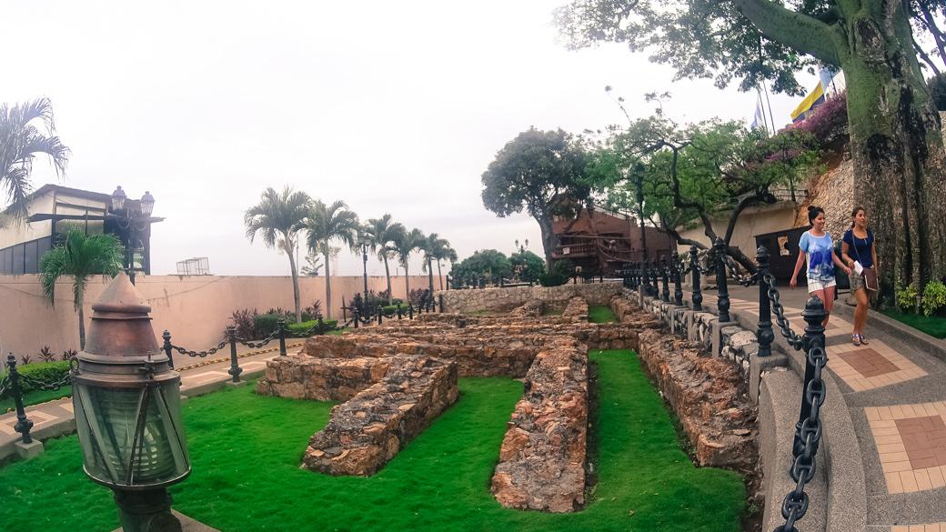 ecuador-guayaquil-museo-naval-el-fortin-del-cerro-santa-ana