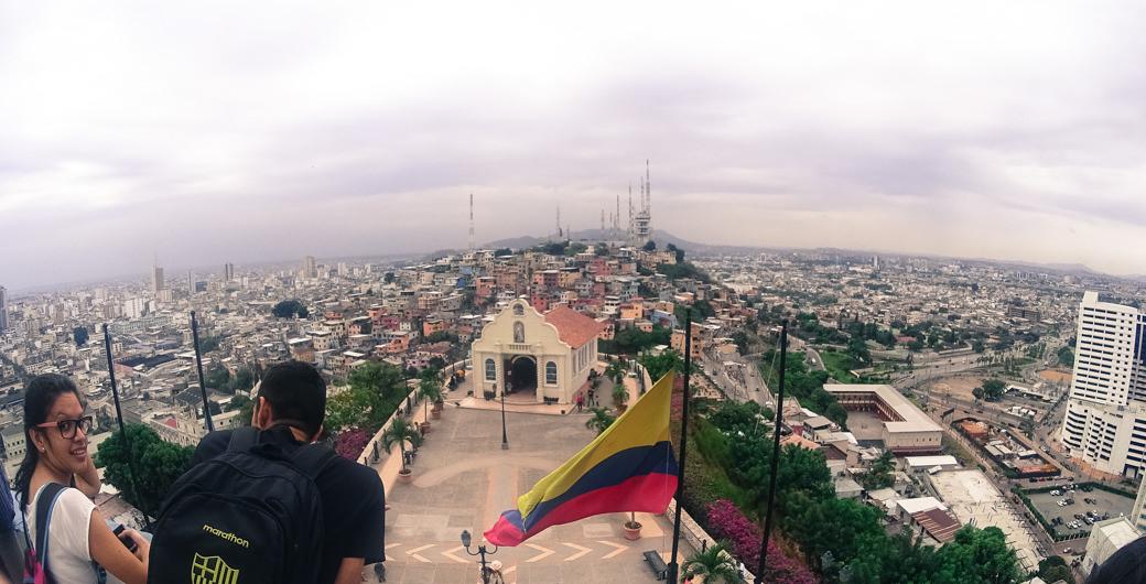 ecuador-guayaquil-el-faro-cerro-santa-ana-vista